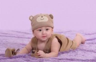 trẻ 3 tháng tuổi, sự thay đổi, ăn và ngủ, tăng trưởng, kĩ năng vận động trẻ 3 tháng, phát triển ngôn ngữ, thay đổi bề ngoài, hành vi giao tiếp