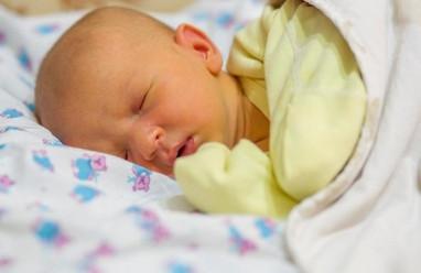 làm mẹ, trẻ sơ sinh, suy hô hấp, bệnh vàng da, phát ban, cua so tinh yeu