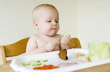 dạy trẻ ăn uống, ăn uống, thói quen ăn uống, cách trẻ ăn uống, trẻ chán ăn