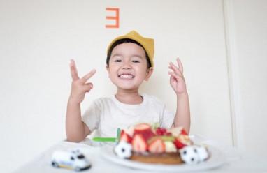 uống thuốc, chăm sóc con, cách giúp trẻ dễ uống thuốc, làm cha mẹ