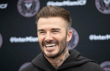 """Choáng với """"núi tiền"""" David Beckham làm ra mỗi ngày"""