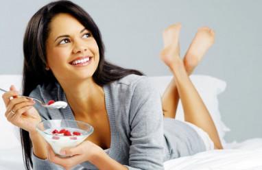 Vì sao phụ nữ nên ăn sữa chua mỗi ngày?