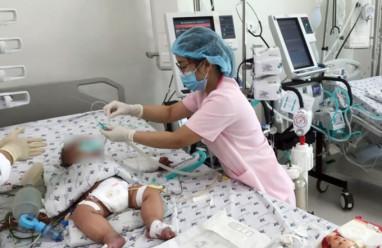 Nhiều trẻ sốc sốt xuất huyết