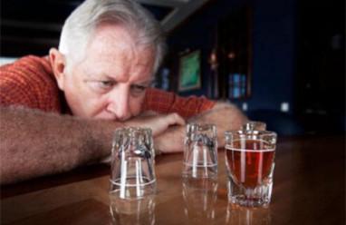 """Uống quá nhiều rượu là """"tích luỹ"""" ít nhất 10 căn bệnh nguy hiểm"""