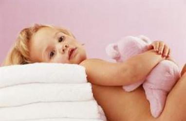 trẻ bị chàm, lác sữa, chăm sóc trẻ nhỏ, dị ứng