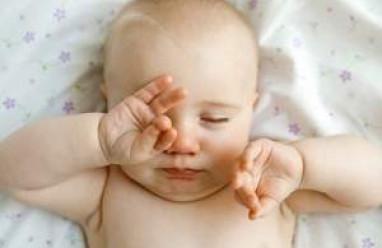 kiến thức trẻ sơ sinh, chăm sóc trẻ sơ sinh, bệnh thường gặp ở trẻ, kiến thức sức khỏe, kiến thức sống khỏe, bí quyết sống khỏe,