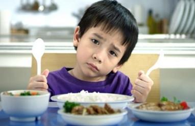 trẻ nhỏ, bú mẹ, cách cho trẻ bú, sữa mẹ, cho trẻ ăn dặm, cách cho trẻ ăn, dinh dưỡng, cho trẻ ăn đủ chất