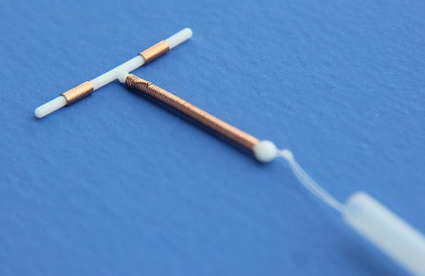 vòng tránh thai là gì, dụng cụ tử cung, tránh thai, phụ nữ, đặt vào tử cung, ngăn cản, phôi thai làm tổ, cơ chế tránh thai của vòng tránh thai, các loại vòng tránh thai