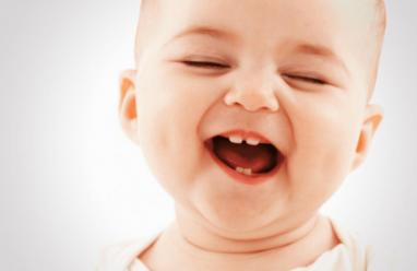 """Tìm hiểu về hiện tượng """"tướt mọc răng"""" ở trẻ"""