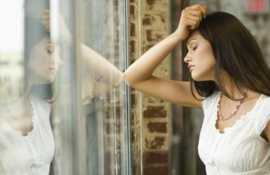 ly hôn, chuyện gia đình, người cũ quấy phá, vợ cũ, hôn nhân gia đình, chồng qua lại với người cũ, lợi dụng tình cảm, cửa sổ tình yêu