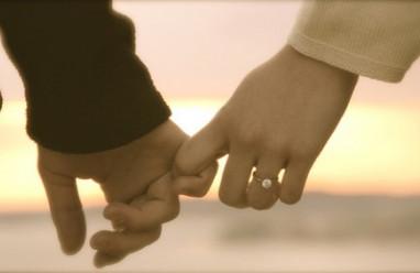 khoảng cách, thời gian là con dao hai lưỡi, tình yêu nhạt nhòa, chia xa, cửa sổ tình yêu, yêu lâu