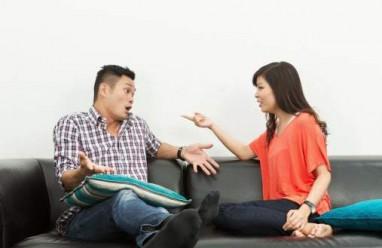 hôn nhân gia đình, mâu thuẫn vợ chồng, mâu thuẫn tiền bạc, ly hôn, ly thân, chia sẻ, tôn trọng, lắng nghe, cửa sổ tình yêu