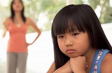 nuôi con, yêu thương, mang nặng đẻ đau, tiềm thức, nhận thức, cảm nhận, mẹ ruột, ly hôn, chấp nhận