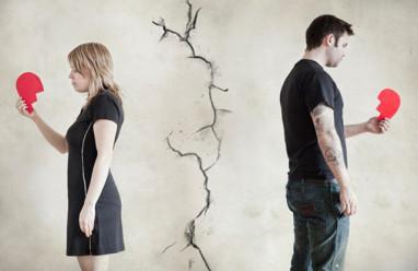 cửa sổ tình yêu, hôn nhân, vô tâm, hạnh phúc, người cũ, có gia đình, con cái, lo lắng, mâu thuẫn, mệt mỏi, khát khao.