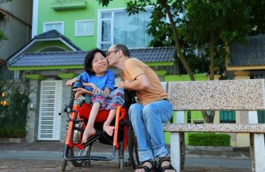 hạnh phúc, khuyết tật, cơ hội, thời gian, thông cảm, thấu hiểu, chấp nhận, cua so tinh yeu