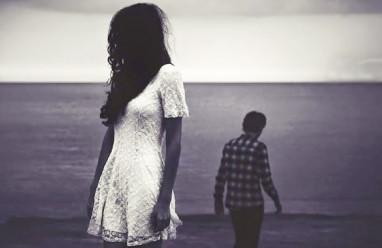 chia tay, hy vọng, thất vọng, đau khổ, níu kéo, buông tay, cửa sổ tình yêu.