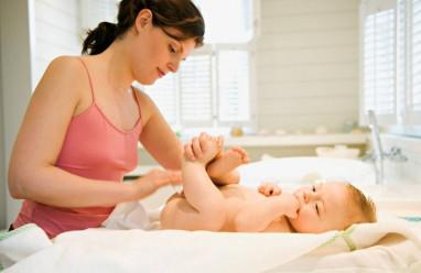 sau sinh, vệ sinh vùng kín, nhiều mảng trắng, mùi hôi, không đỡ, đi khám, cuasotinhyeu