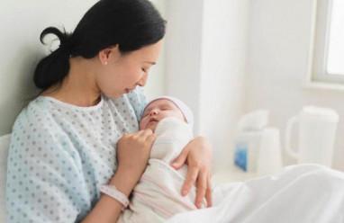 sau sinh mổ, sản dịch, 2o ngày, máu đông, máu tươi, hoạt động quá mức, băng huyết, cuasotinhyeu