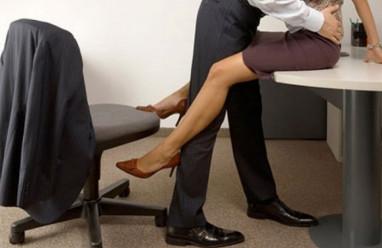 ngoại tình, đồng nghiệp, day dứt, không muốn bỏ gia đình, có lỗi với chồng
