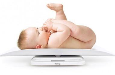 bé chậm tăng cân, bé không tăng cân, sữa mẹ loãng, chăm sóc trẻ