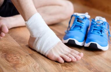 mắt cá chân, xương chân, đóng định nẹp vít, phẫu thuật cố định xương, kích ứng, cuasotinhyeu