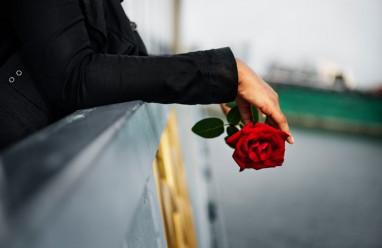 hẹn bạn trai, hiểu lầm, người yêu ghen, chặn mọi liên lạc, không nghe giải thích