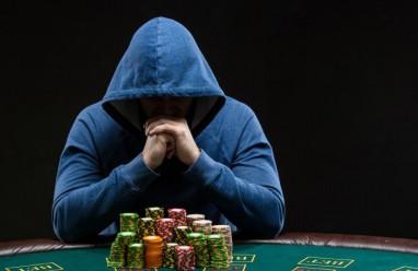 chồng cờ bạc, nợ nần, đi theo người khác, bỏ đi