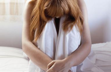 Có nên đặt thuốc điều trị viêm phụ khoa trong thời gian hành kinh không?