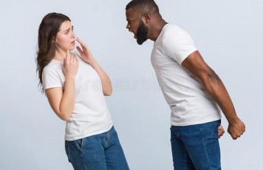 xúc phạm, bạn gái đòi chia tay, không liên lạc, chặn cuộc gọi