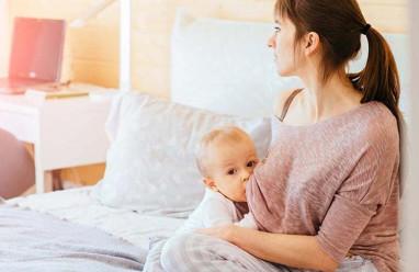 Mẹ nên cai sữa cho trẻ như thế nào để ngực không bị căng đau ?