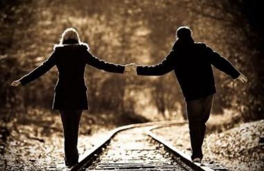 yêu mẹ đơn thân, nghi ngờ tình cảm, chu cấp tiền bạc, chưa nhận lời