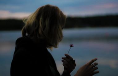 Chia tay rồi nhưng trong lòng vẫn còn yêu nhiều
