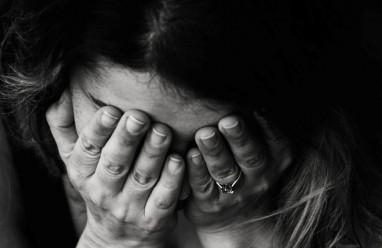 lo lắng, rối loạn lo âu, trầm cảm, ý nghĩ bậy bạ, không ra khỏi đầu