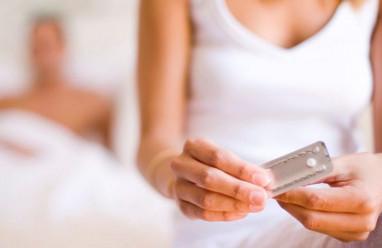 """Dùng thuốc tránh thai sau """"rách bao"""" có giảm triệt để việc có thai?"""