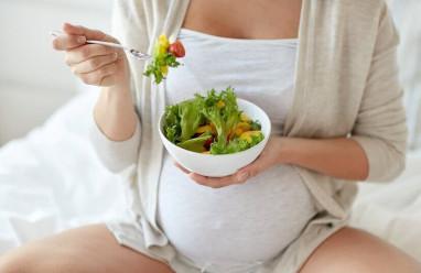Vô tình ăn phải rau có phun thuốc diệt cỏ khi đang mang thai!!!