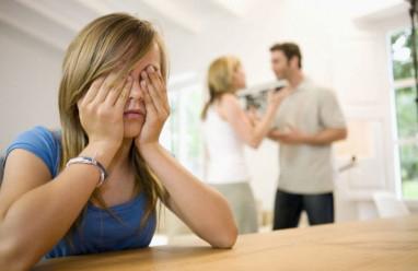 bố mẹ, cãi cọ, bất đồng, trái ngược, lo lắng, muốn bố mẹ hòa thuận