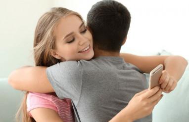 bạn gái lẳng lơ, nhắn tin với trai lạ, tha thứ, vẫn tái diễn, khó chấp nhận