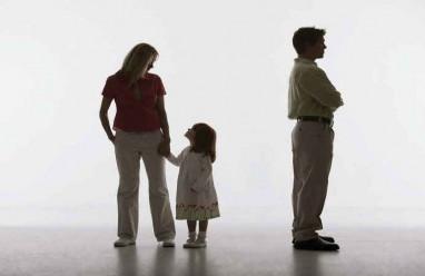 xích mích, mâu thuẫn, chồng bỏ đi, giũ bỏ trách nhiệm, không nuôi con
