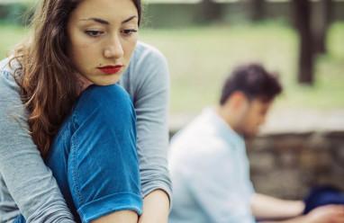 nhầm lẫn, ngưỡng mộ, yêu, bạn trai nhạt, không biết nói chuyện