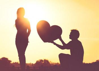 tỏ tình, chưa nhận lời, khó nghĩ, gia đình quen biết, mối tình cũ, tấn công mạnh hơn