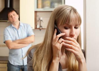vợ ngoại tình, nhân tình bao, nợ ân tình, không thể bỏ, có nên ly hôn