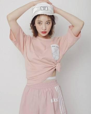 con gái, đồ màu hồng, phong cách, cua so tinh yeu