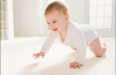 trẻ 10 tháng tuổi, sự phát triển của trẻ 10 tháng tuổi, sự phá
