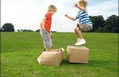 Sự phát triển vận động của trẻ từ 1- 6 tuổi, vận động tinh, vận động thô, phát triển vận động của trẻ từ 1-2 tuổi, phát triển vận động của trẻ từ 2-3 tuổi, phát triển vận động của trẻ từ 3-4 tuổi, phát triển vận động của trẻ từ 4-5 tuổi, phát triển vận động của trẻ từ 5-6 tuổi