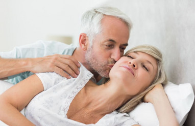 : lợi ích của tình dục, tình dục tuổi trung niên, lợi ích về tâm lý, lợi ích về sức khỏe, mối quan hệ hôn nhân, mãn kinh