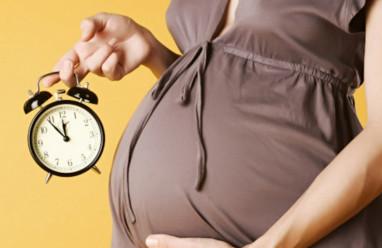 mang thai, chuyển dạ, không có cơn chuyển dạ, gây chuyển dạ chủ động, bấm ối, kích đẻ, tai biến, xử trí, đình chỉ thai nghén