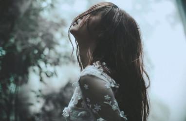 cua so tinh yeu, chấp nhận, chia tay, hàn gắn, níu kéo, quay lại, người yêu cũ, người mới.
