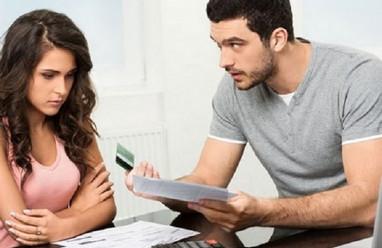 chồng ngoại quốc, keo kiệt, hay dỗi, bỏ thì vẫn tiếc tư vấn ly hôn, mâu thuẫn tiền bạc, mâu thuẫn vợ chồng về kinh tế.