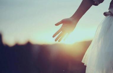 Níu kéo tình yêu, tình yêu tan vỡ, bạn trai chia tay, Bỏ hết liêm sỉ để níu kéo, cua so tinh yeu