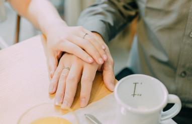 chia tay người yêu, làm quen, thích, tặng quà, người yêu cũ, im lặng, còn thương người cũ